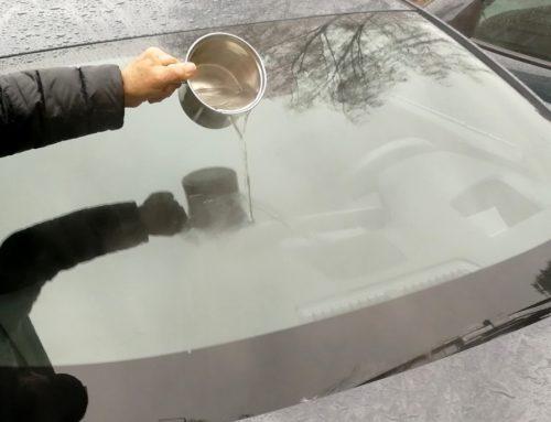 Takto namrznuté okno určite nečistite. Sú bezpečnejšie a efektívnejšie spôsoby
